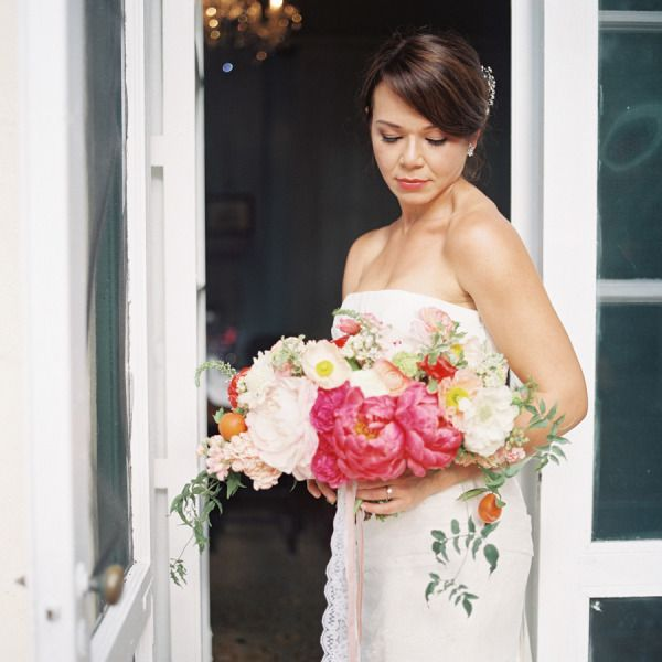 Flower love. Bride Photos and Ideas - Style Me Pretty Weddings - Picture - 1615602