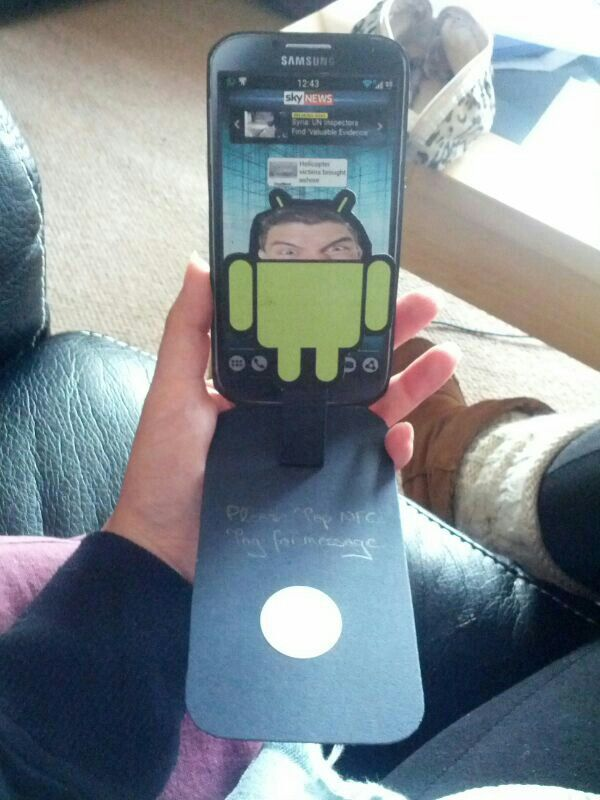 Samsung S4 Android pop up card with embedded NFC message