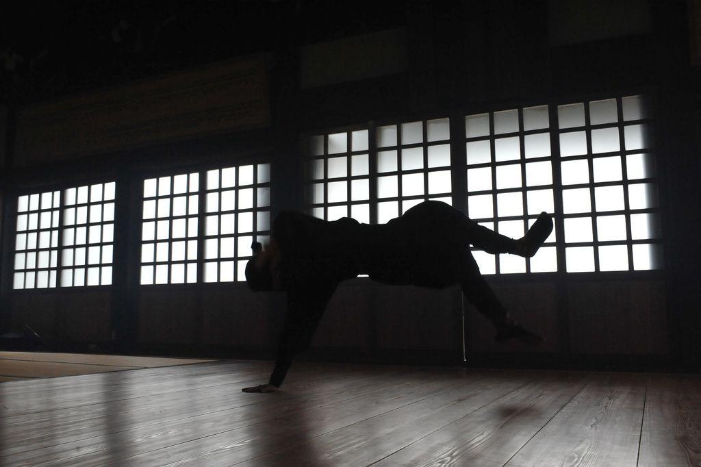 Japonista Sole X Mutsunokami Samurai Rock Band Promotional Video Shoot JAPONISTA-SOLE(JAPONISTAの地下足袋) & 侍バンド 陸奥守吉行 とのコラヴォPV 写真集   Flickr - Photo Sharing!