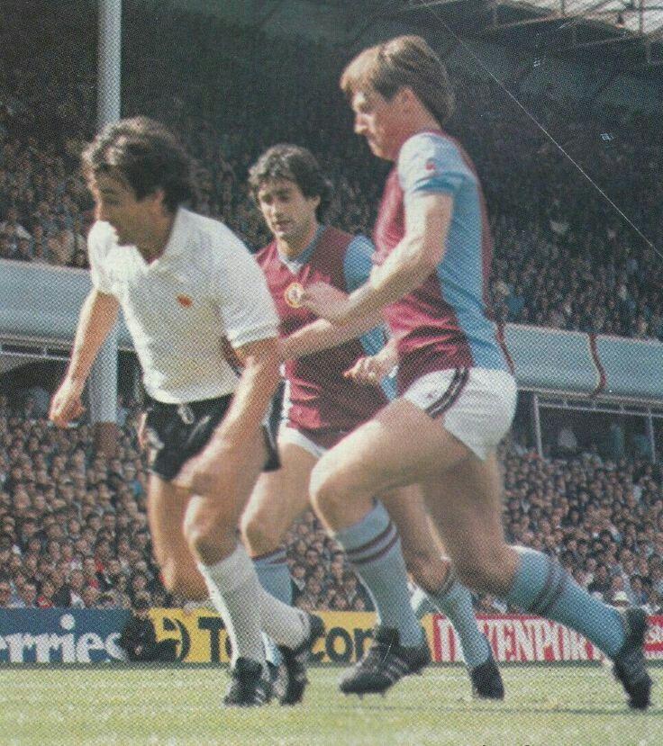 Aston Villa 1 Man Utd 1 in Sept 1981 at Villa Park. Lou Macari tries to jink his way through the Villa defence #Div1