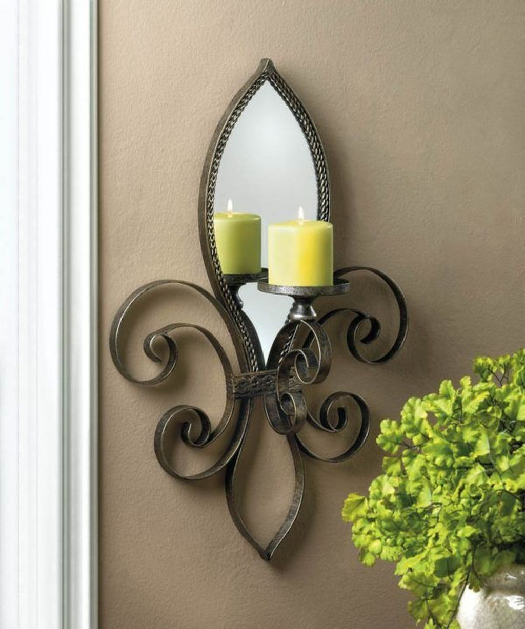 37 Impressive Traditional Wall Sconces Decor Ideas For Living Room