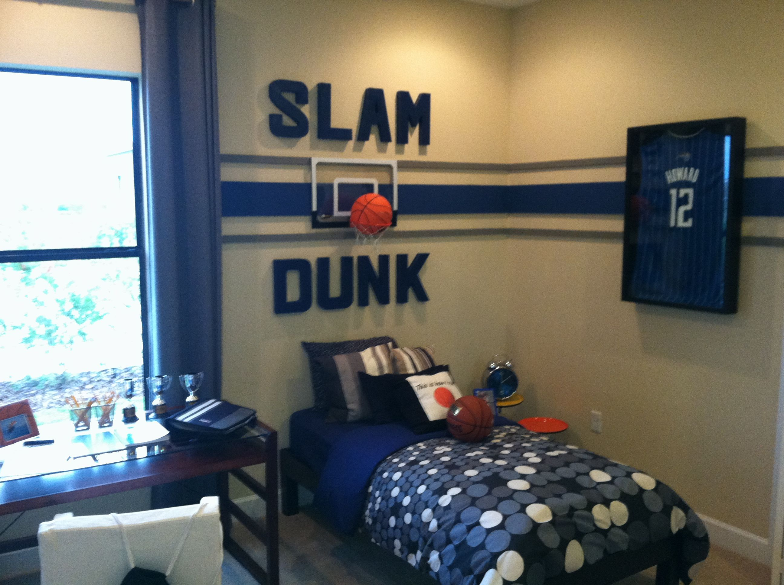 Bedroom interior for boys - Enjoyable Sport Theme For Kids Room With Basket Ball Bedroom Decorating Ideas And Cool Black Platform Bed On Combined Dark Blue Mattress Also Enchanting