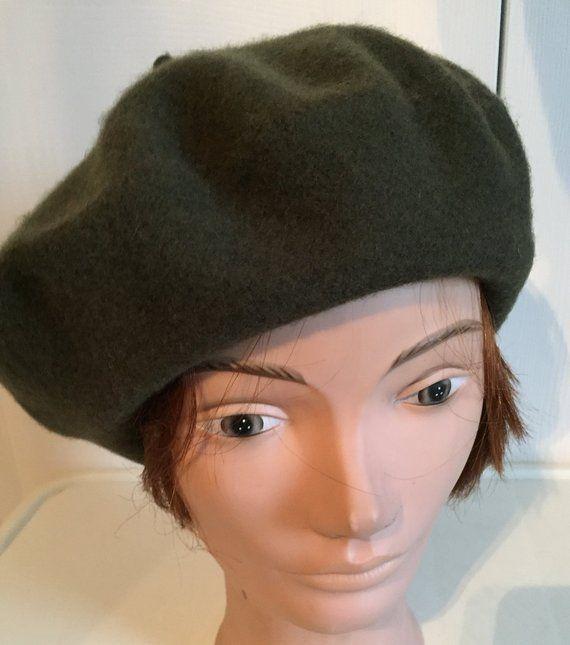 4060ed67 80s Olive Green Wool Beret Women Hat 11 Large Beatnik Look Vintage ...