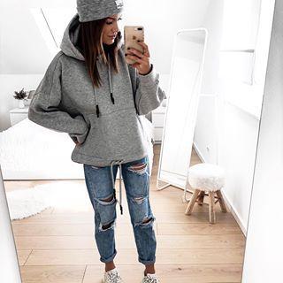 "Photo of FASHIONPUGLADY AV JAQUELINE på Instagram: ""#hoodielove ❤️ | Annonse | Jeg måtte faktisk bestille den i grått 😅🤷🏻♀️ #casualstyle #hoodieseason # outfitblogger… """