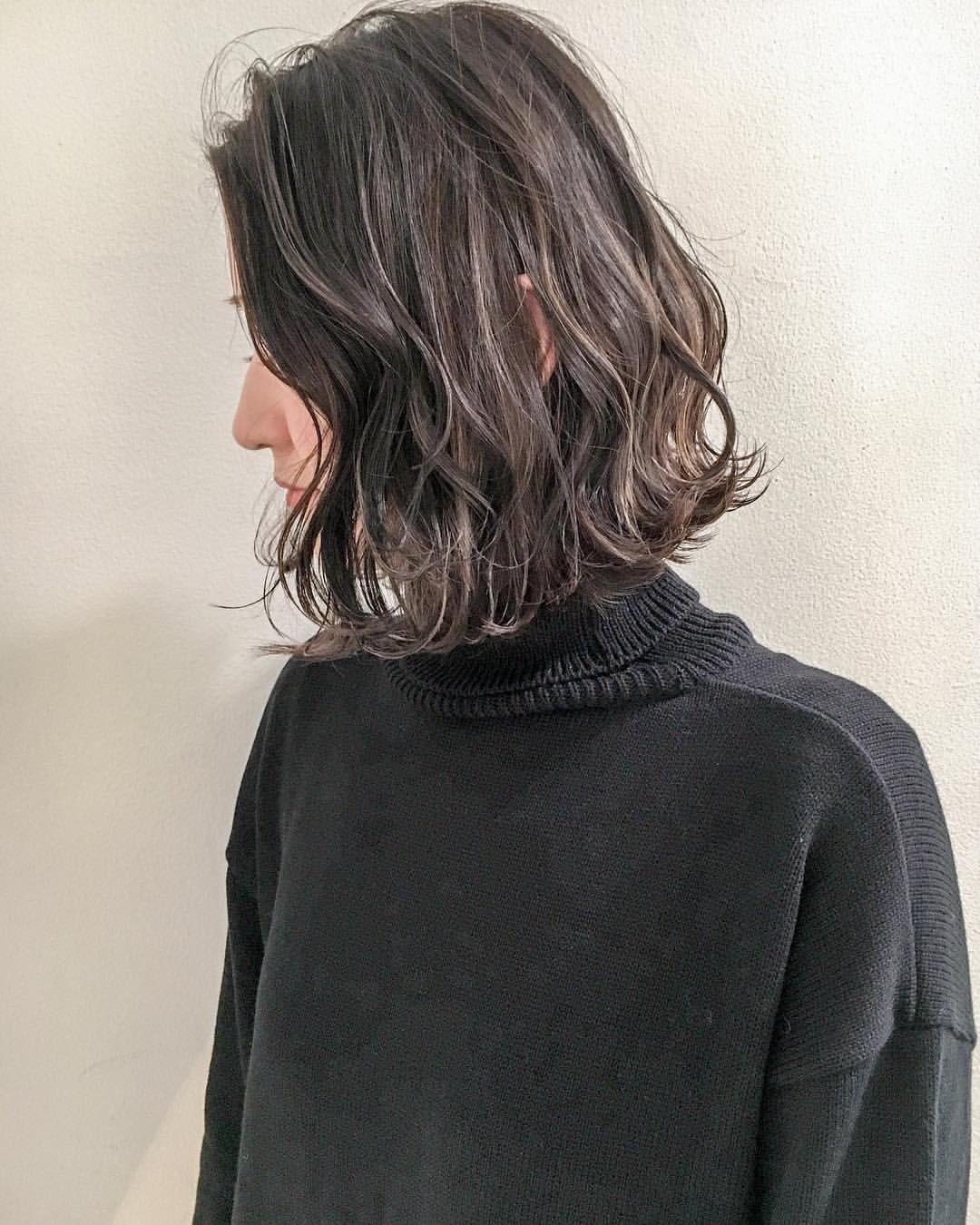 安藤圭哉 Shima Annex Stylistさんはinstagramを利用しています カラーオーダー最近急上昇の 3d ハイライト ベースの細かいハイライトに地毛のようなナチュラルなローライトで自然なデザインカラーを Shima きりっぱな Haarschnitt Haare Schnittchen