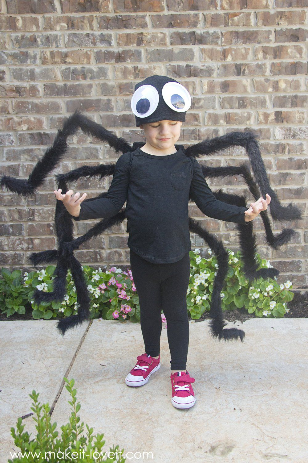 DIY Easy NOSEW Spider Costume!!! (…plus, one to GIVE