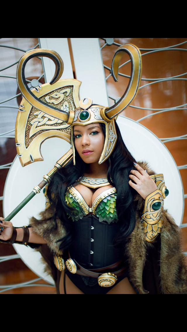 "8eb20d9a0627 Character  ""Loki"" Cosplayer  Sami Bess (ZeroSuitSami)  2 Of 3 ..."