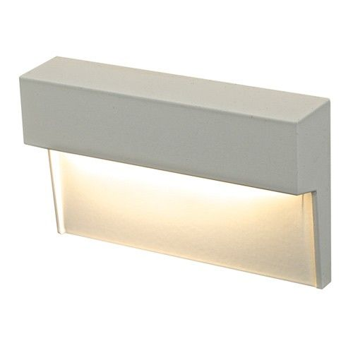 Horizontal LED Step Light from DALS Lighting. http://www.ylighting.com/blog/how-to-light-your-deck-modern-outdoor-lighting/