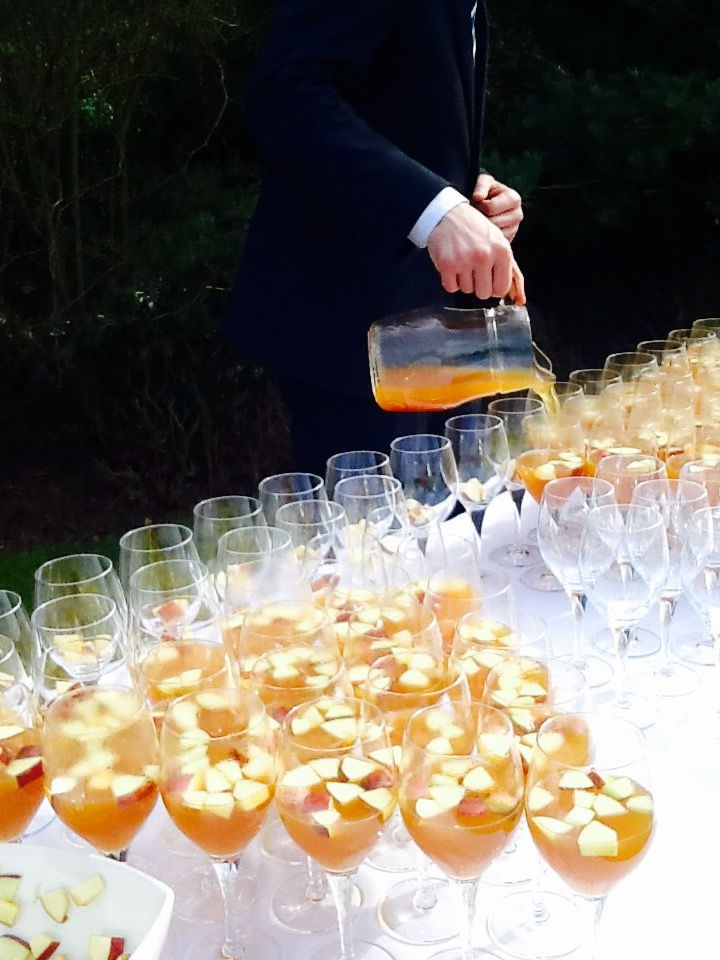 Pimms is wonderfully refreshing for your arrival drinks.. Can't decide if it's for everyone? Why not give them half & half of Pimms and champagne?