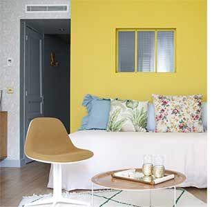 chambre mur jaune h tel henriette paris des couleurs dans la chambre pinterest murs jaunes. Black Bedroom Furniture Sets. Home Design Ideas