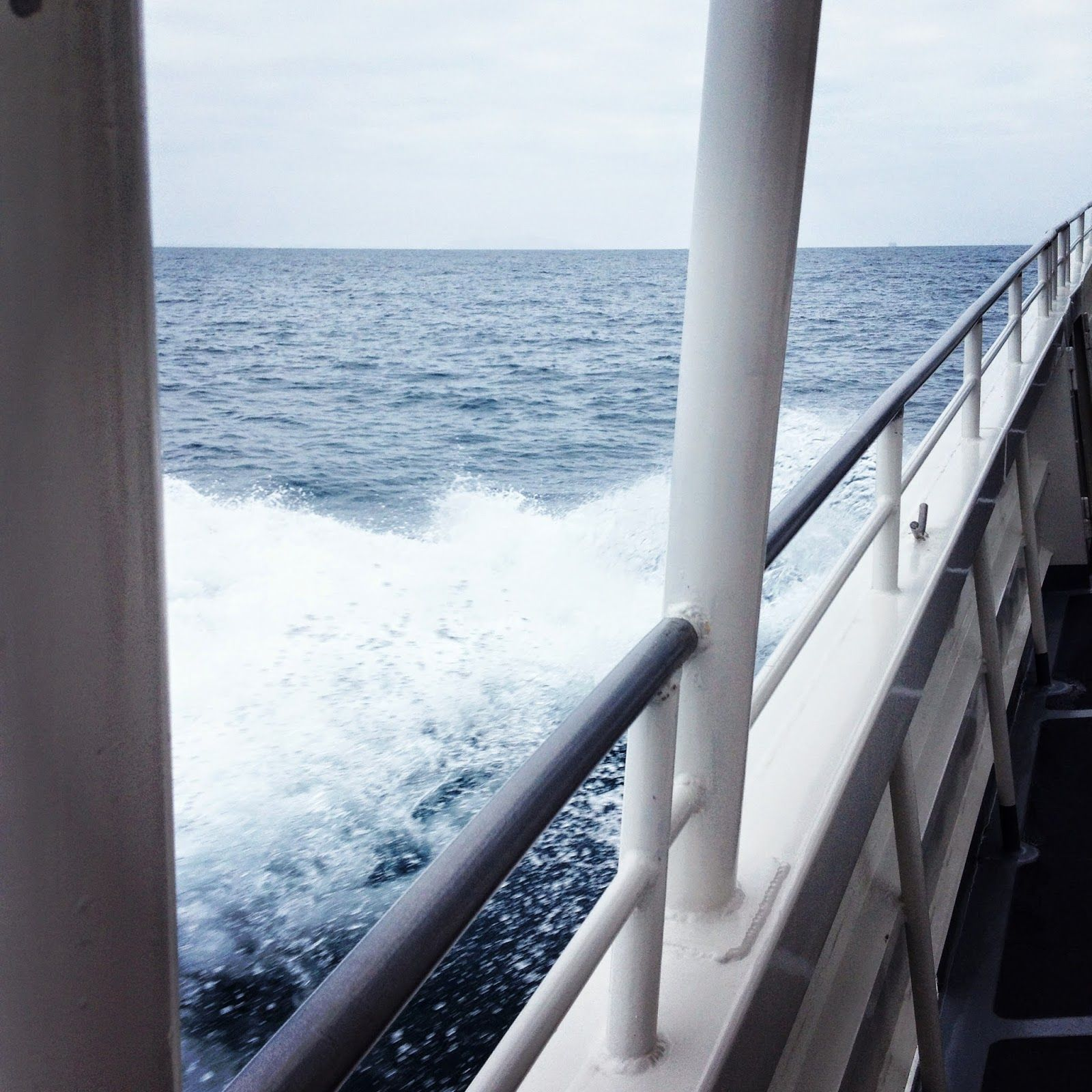 Island Adventures, sailing to Santa cruze island.
