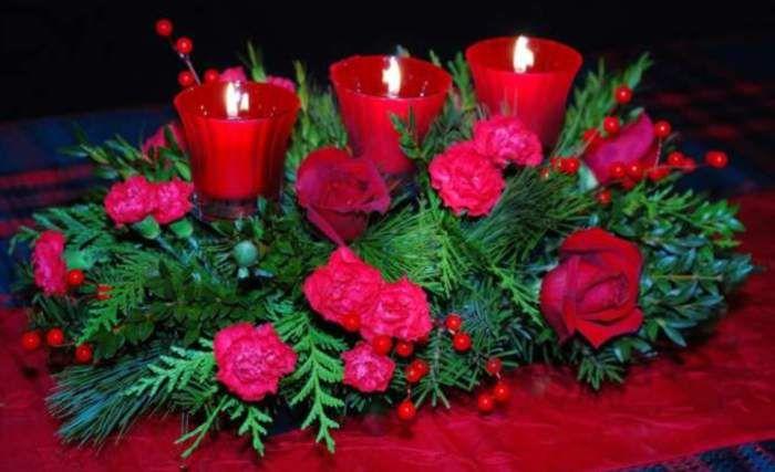centro-de-mesa-navidad-flores-frescas-velas