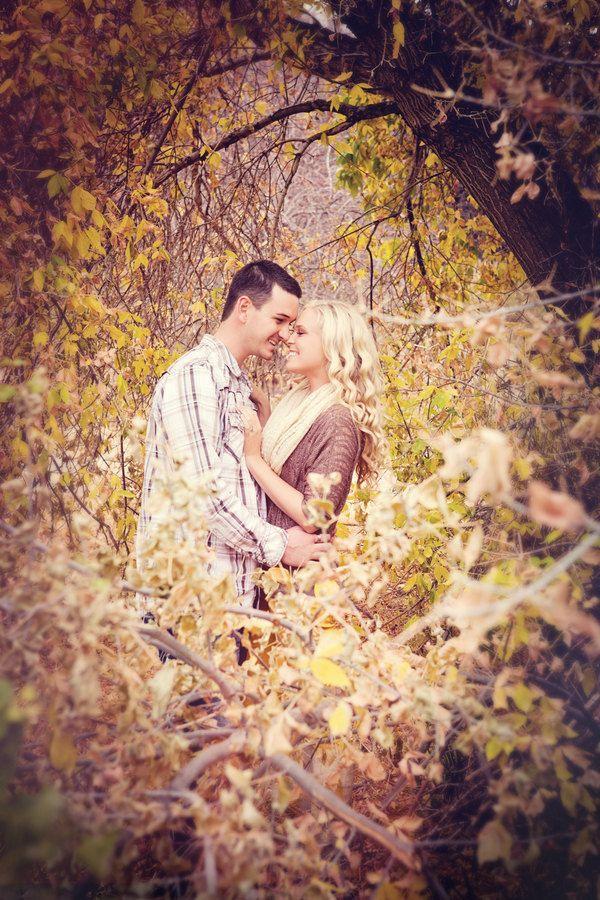 Utah Engagement Photos, Utah Wedding Photographer, Outdoor Engagement Photos, Rustic Engagement Shoot, Autumn, Yellow. Brandon Burk Photogra...