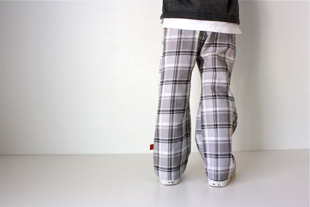 TUTORIAL: Knee Pad Pants (for boys and girls)  - love the plaid
