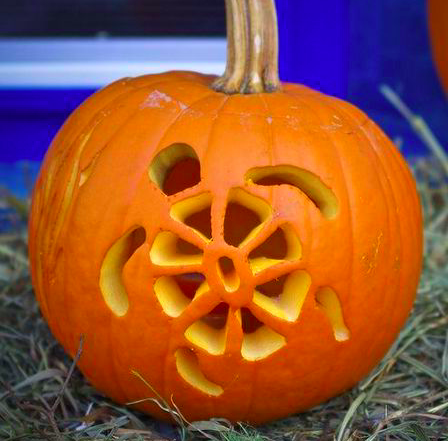 Pumpkin Carving Ideas #pumkincarvingdesigns