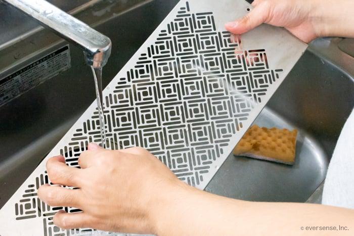 換気扇の掃除は意外と簡単 キッチンの換気扇を綺麗にする3つの方法 キッチン 掃除 換気扇