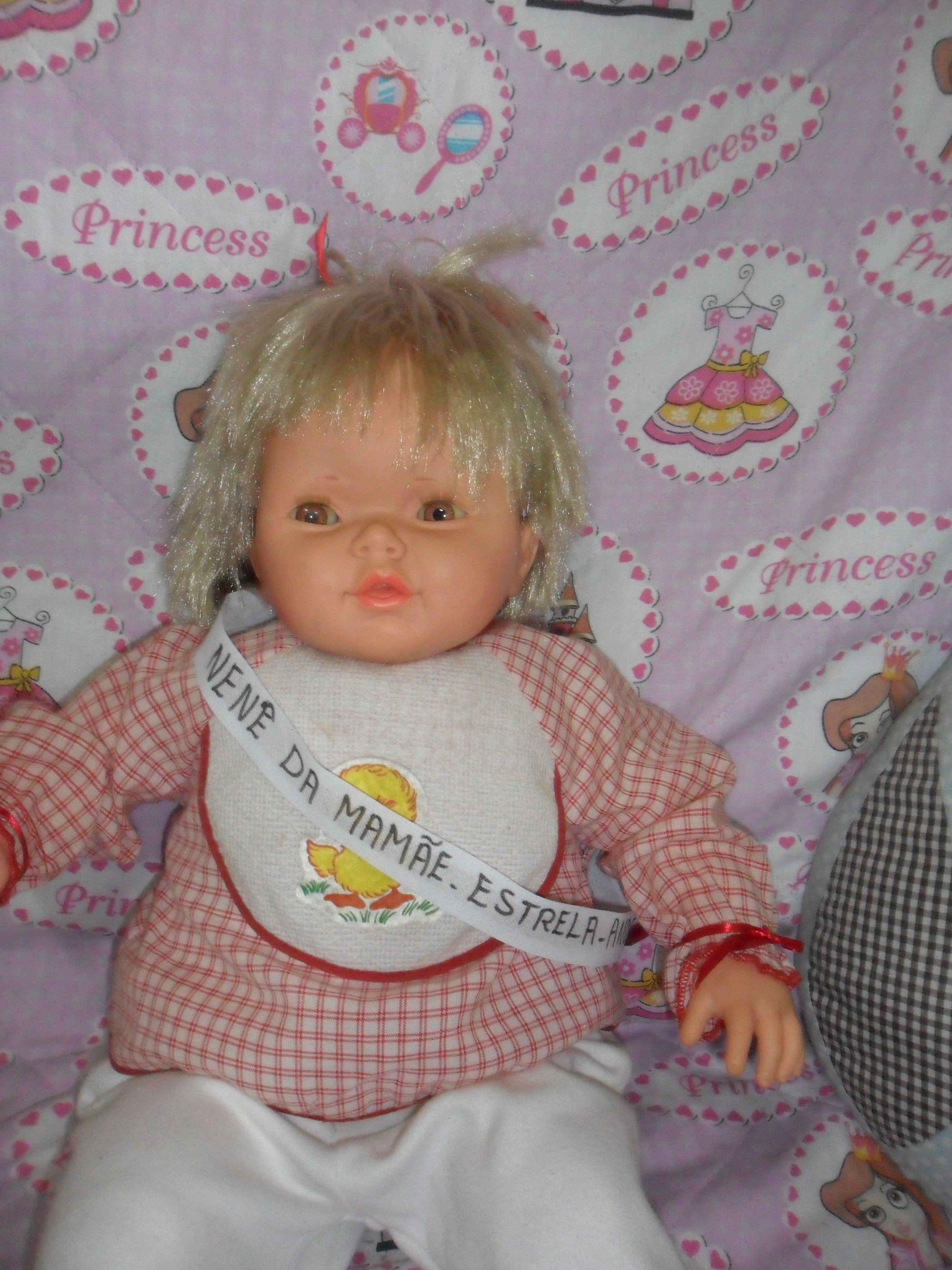 Boneca Nene Da Mamae Da Estrela Anos 90 Ela Fala Frases Como Mamae Nene Quer Carinho Pega Na Minha Maoz Boneca Bebe Gosto Tanto De Voce Brinquedos Antigos