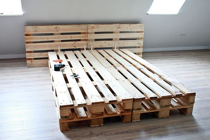 Diy Palettenbett Selber Bauen Diy Bed Diy Bed Home Bedroom