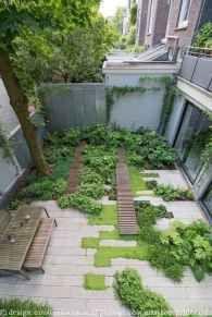 35 Inspiring Small Courtyard Garden Design Ideas - DoMakeover.com #smallcourtyardgardens 35 Inspiring Small Courtyard Garden Design Ideas #smallcourtyardgardens