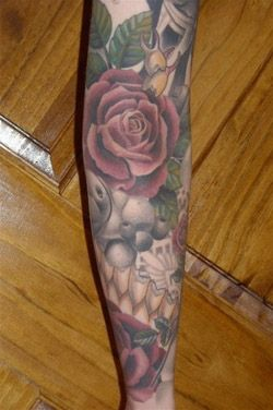 0b1e655e2f5b8 Another Darcy Nutt/Chalice Tattoo production...love this rose ...