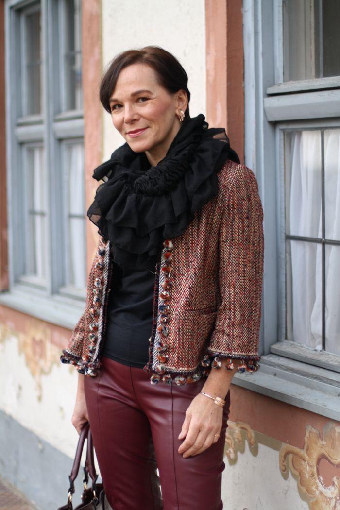 Zara Bouclé Jacke Mit Pompons Und Kunstleder Leggings In