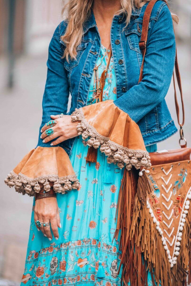 A little boho chic and that fabulous bohemian fringe bag ...