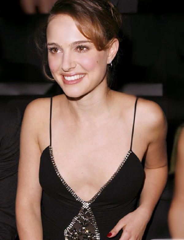 Most Beautiful Small Living Rooms: Natalie Portman Plastic Surgery Breast Natalie Portman