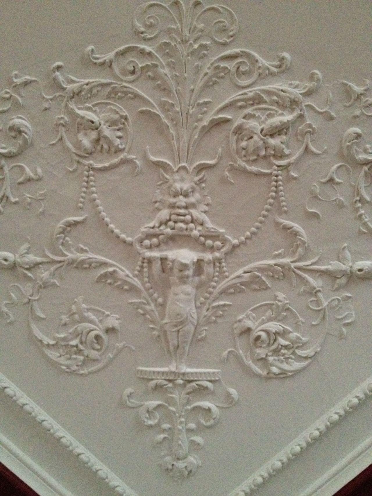 Victorian Plaster Ceiling Corner Detail Lighting