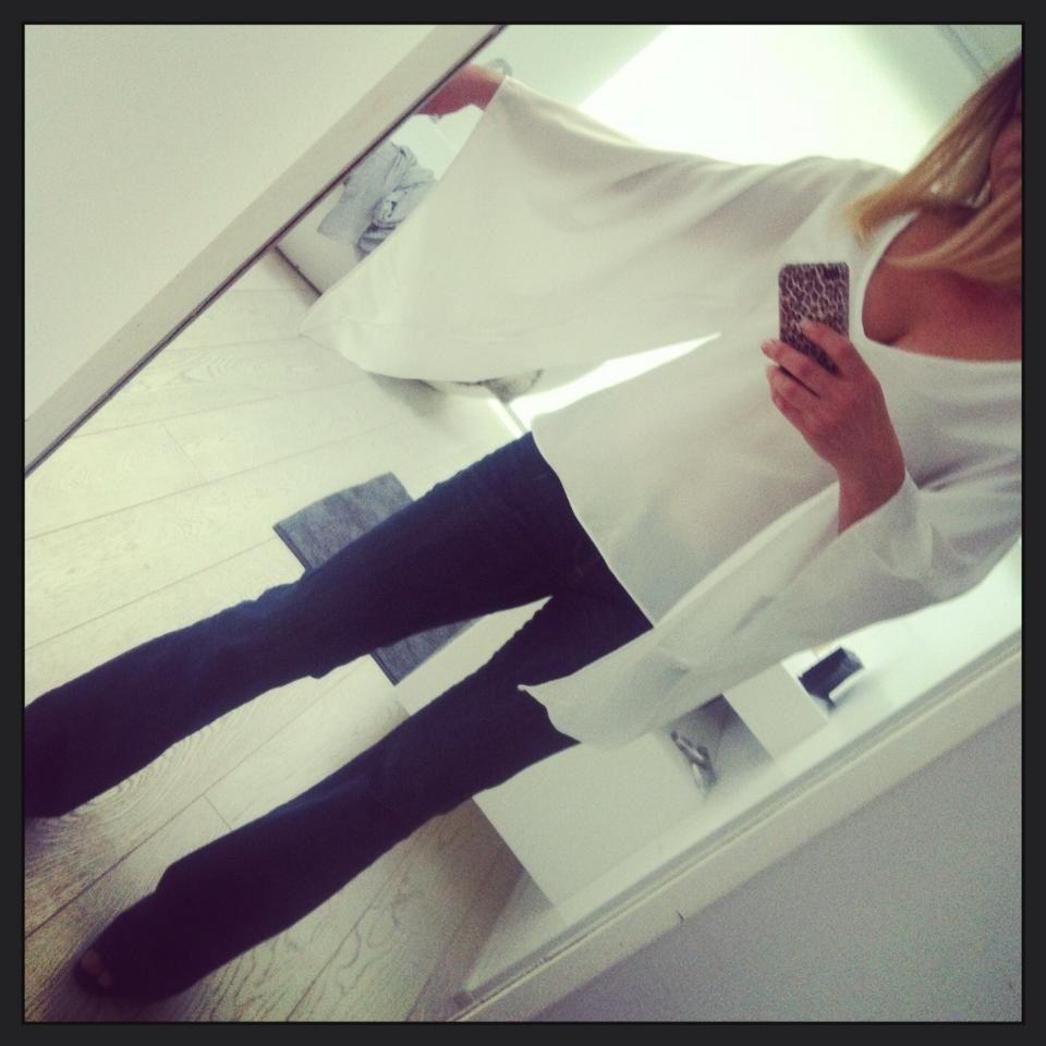 Jeans e camicia bianca...e via! www.lechicchechic.it