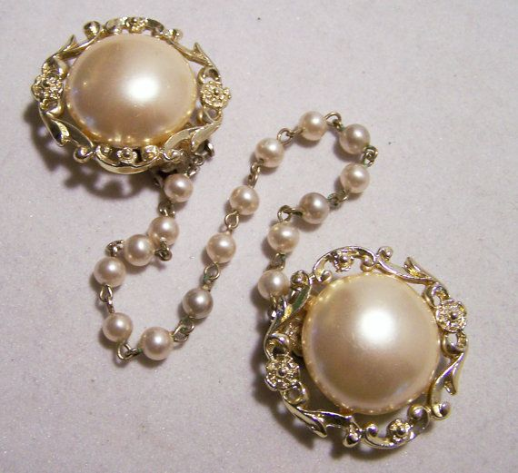 Mid Century Large Faux Pearl and Bead Sweater Guard Clip Pin Gold Tone 116DGZ
