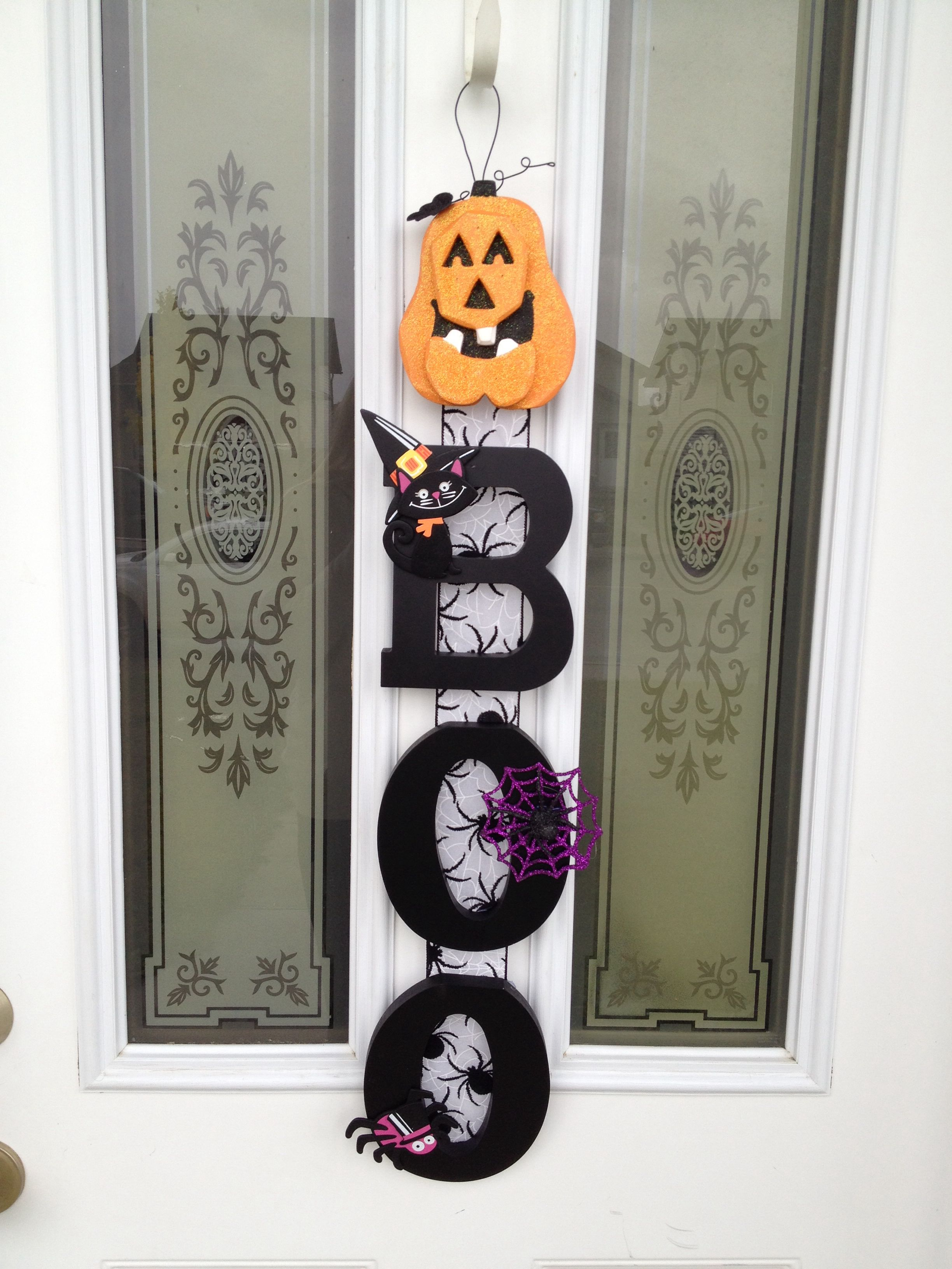 Halloween sign decor DIY * All supplies from Michaels