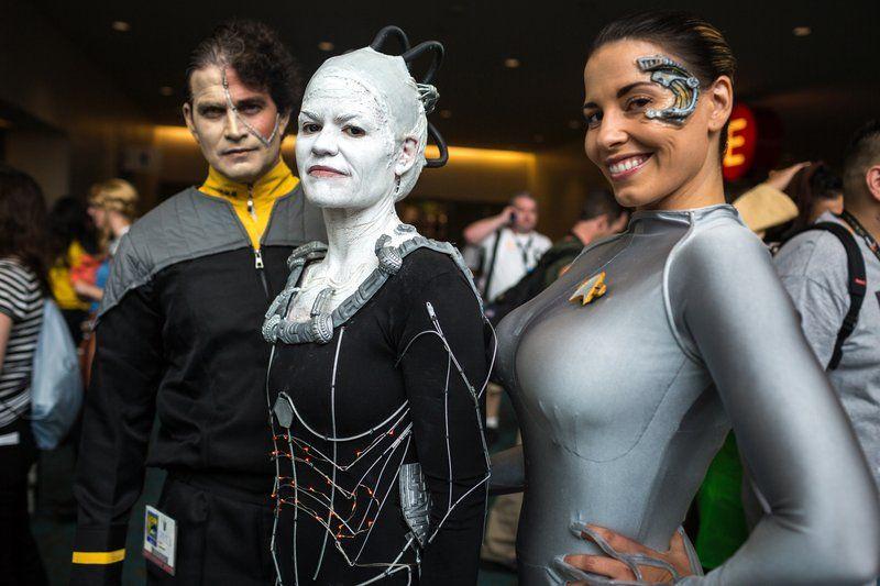 The Borg invade SDCC 2013 by Tested.com
