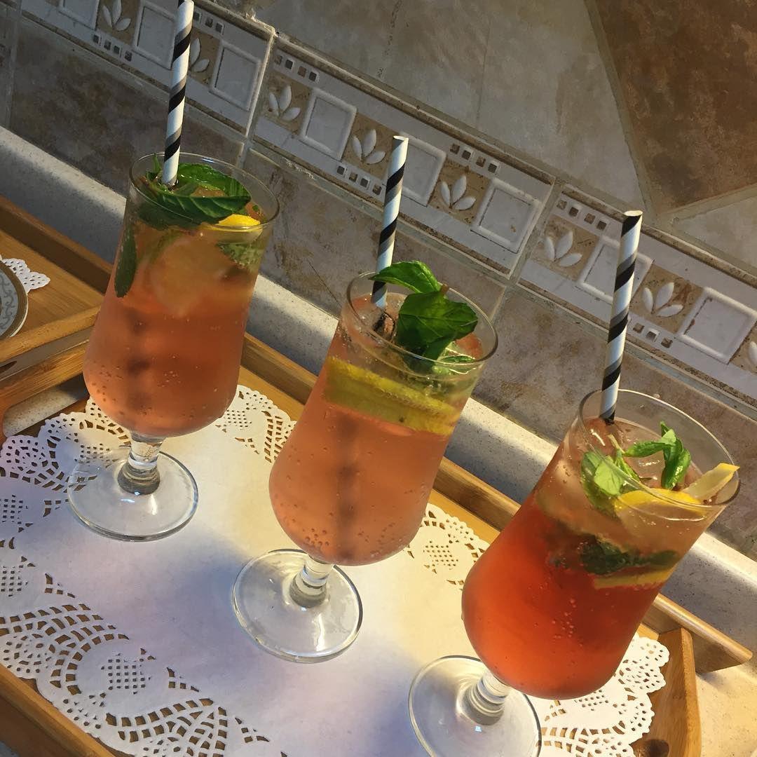 بردوا ع حالكم مع موهيتو سفن أب عصير ليمون أخضر ثلج نقطة فيمتو شرايح ليمون نعناع واستمتعوا بالطعم الخطير و Alcoholic Drinks Drinks Smoothies