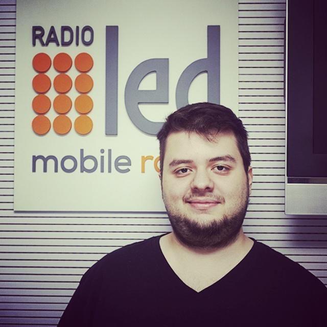 Juan Figuerola: gran tipo y op. técnico. Gracias a él #CalorFrio sale bien en @radioledonline  | ph: Isabel Gruppo