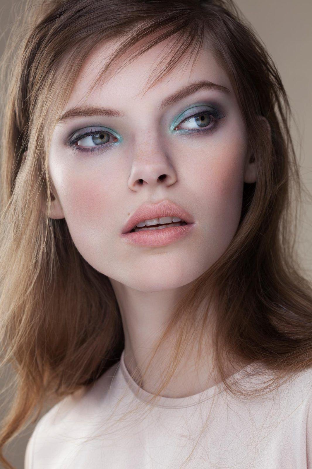 Six Setups for Beauty Lighting with Profoto images