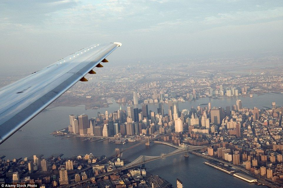 15 Pics That Show Why You Should Choose The Window Seat On
