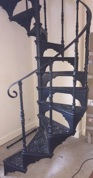 Best Cast Iron Black Spiral Staircase With Landing Plate 400 x 300