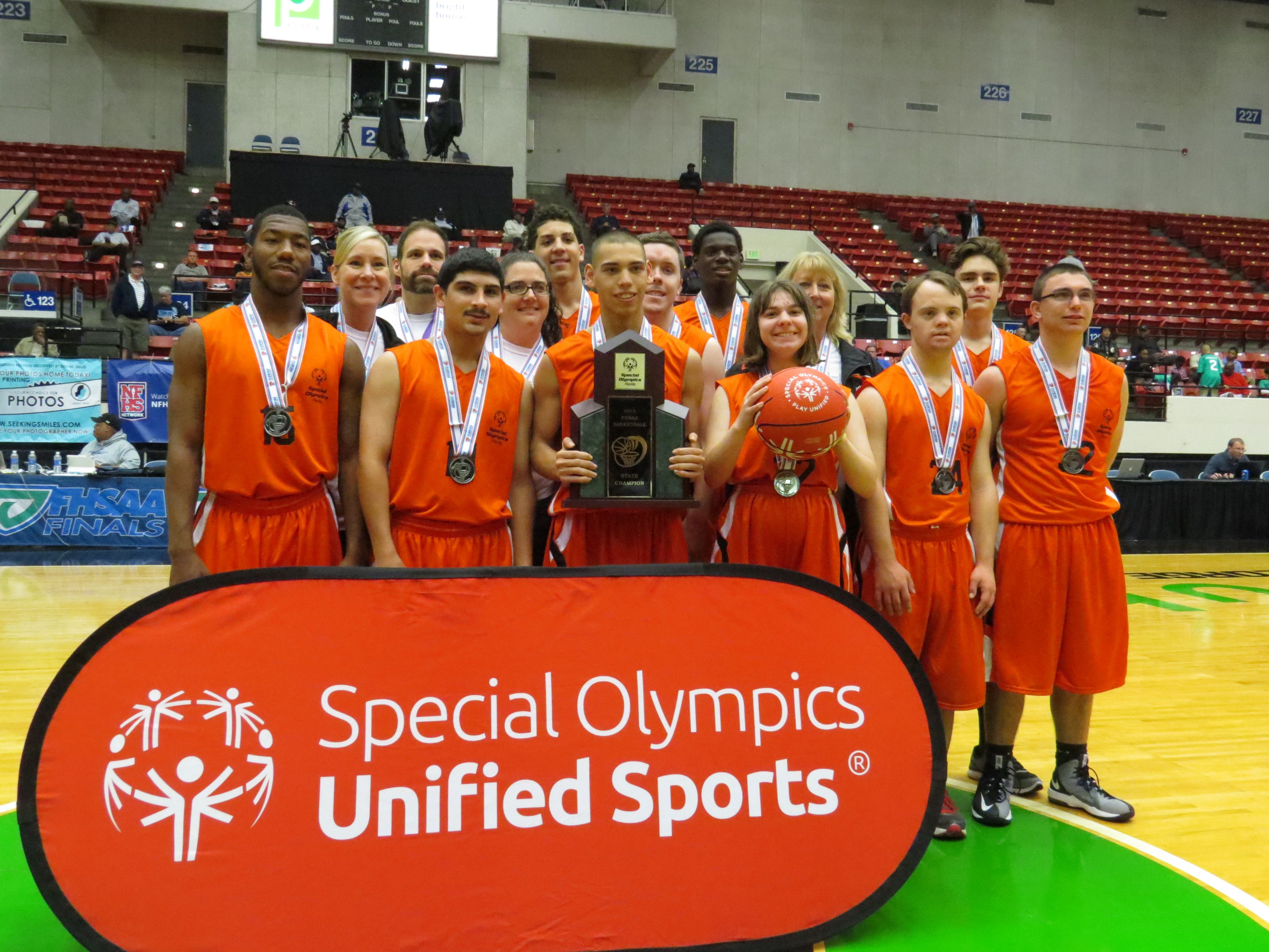 Special Olympics Unified Sports Teams Steal The Show At Fhsaa Basketball Finals Special Olympics Olympics Sports
