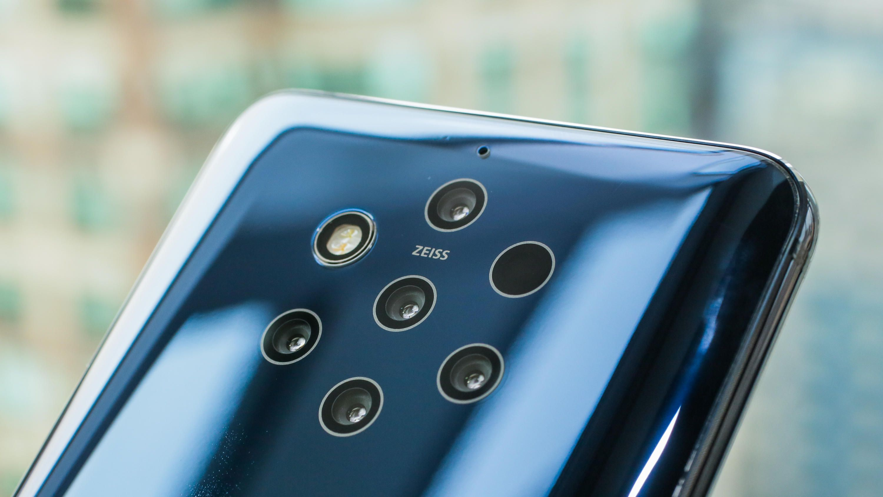 Nokia 9 PureView has 5 rear cameras *yawn* Camera phone