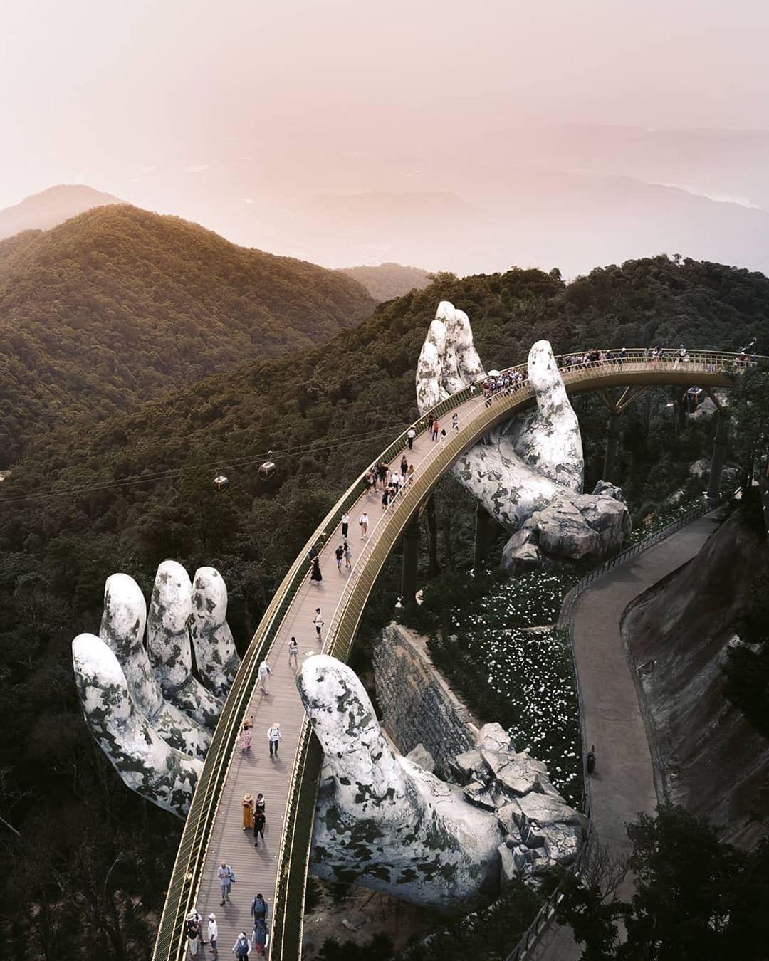 Da nang vietnam bridge