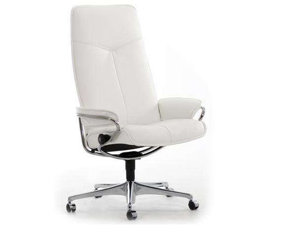 Chaise de bureau avec dossier haut sur roulettes inclinable en