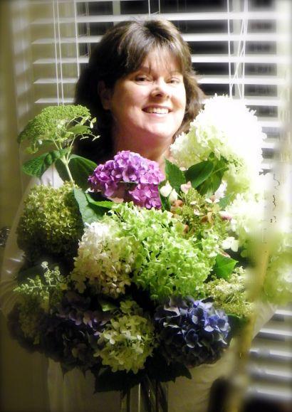 Nothing like hydrangeas in abouquet | Flowergardengirl™
