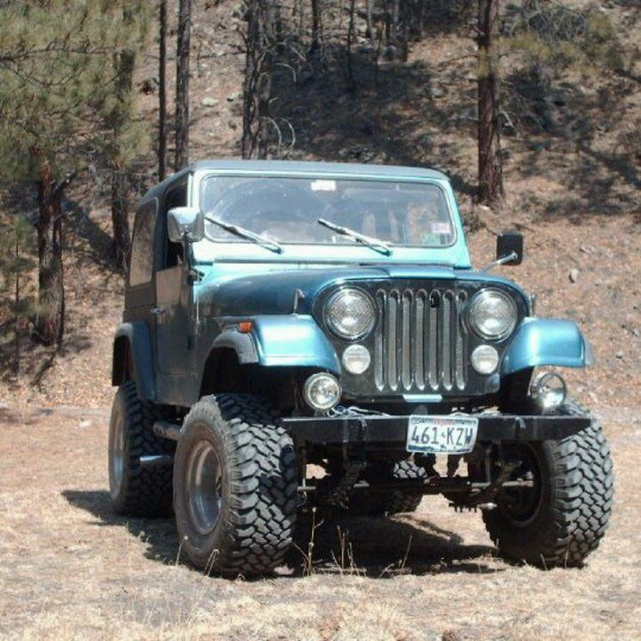 83 Jeep CJ7, 5 9 AMC 360 V8 engine  4 inch susp lift and 3