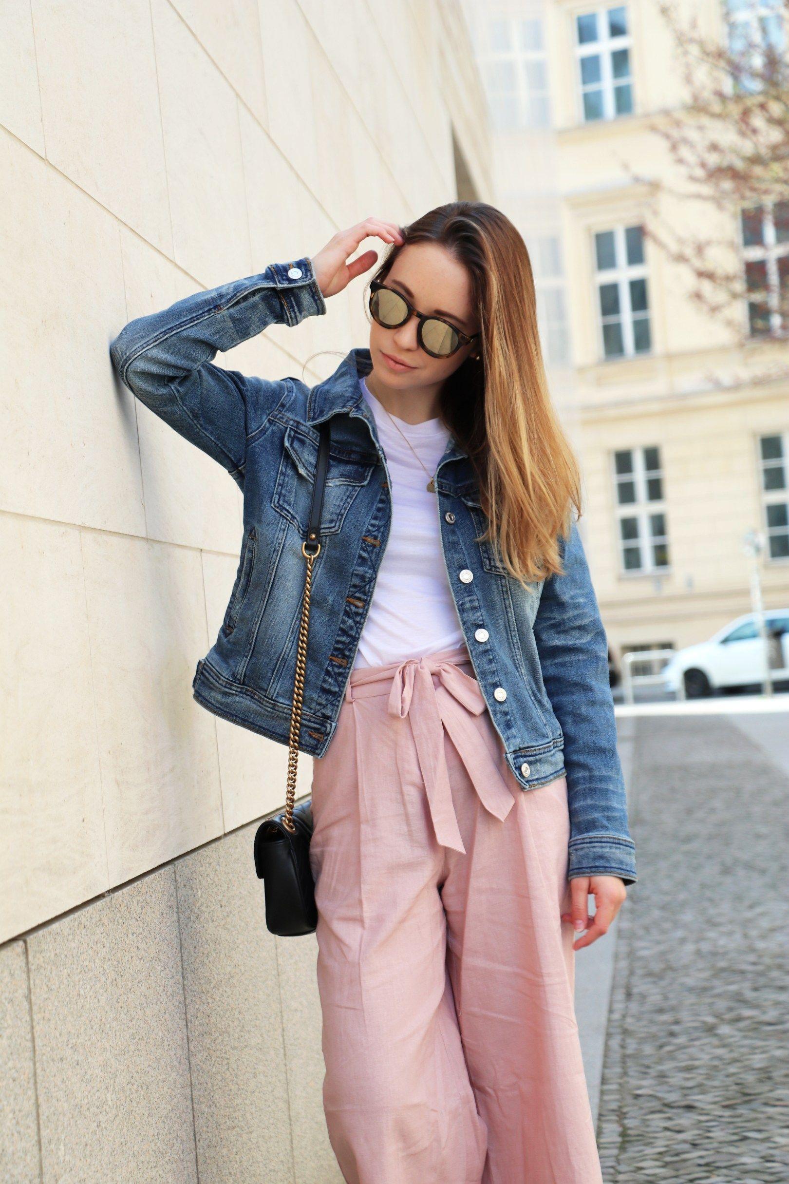 7117c63b50 Rosa Culotte, Outfit mit Culotte, Culotte kombinieren, Culotte stylen,  Culotte stylen Sommer, Culotte mit Jeansjacke, Outfit mit Jeansjacke, ...