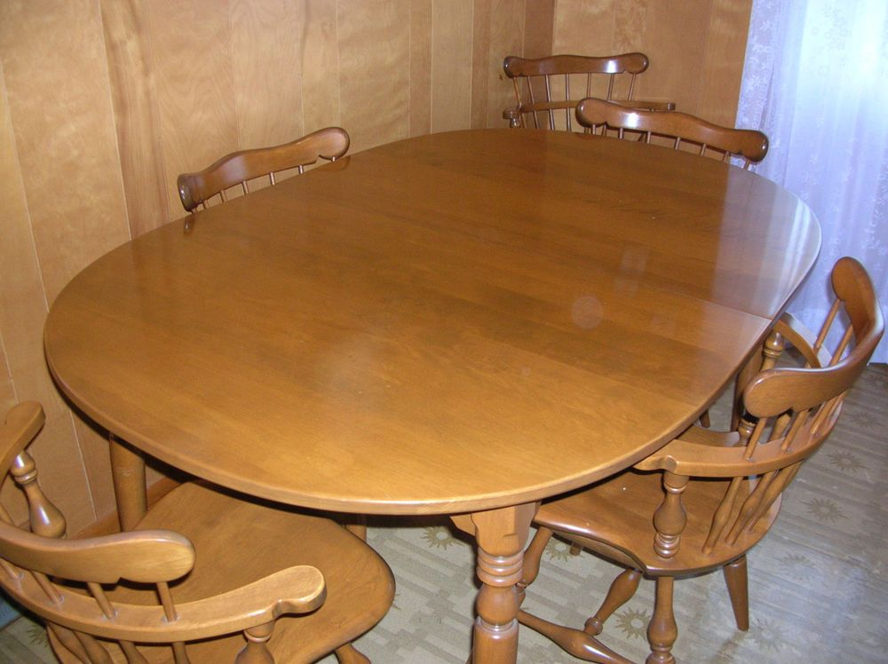 Ethan Allen Early American Maple Dining Room Set 9 Pieces