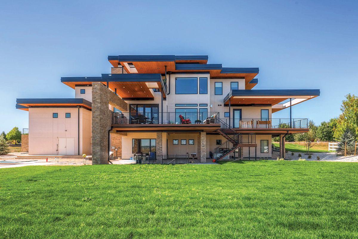 Stunning Contemporary Luxury Home Using Dark Bronze Anodized Aluminum Series Windows And D Windows And Doors Windows And Patio Doors Replacing Aluminum Windows