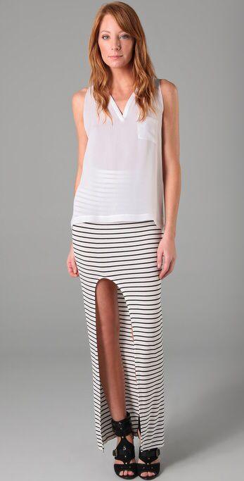 Imagen de http://stylesizzle.com/wp-content/uploads/2011/06/how-to-wear-striped-maxi-skirt.jpg.