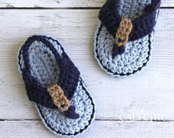 Crochet baby shoes pattern for the chic and adorable Malibu Baby Flip Flops baby sandals They will be a welcome baby shower gift for new moms or a   Schuhe häkeln