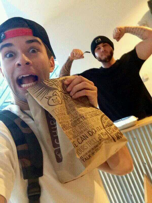 Jakeeyy & Frank had chipolte. ♥
