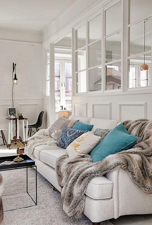 mooie scheidingswand tussen woonkamer en keuken interieur inrichting woonkamer wit gezellige woonkamers witte